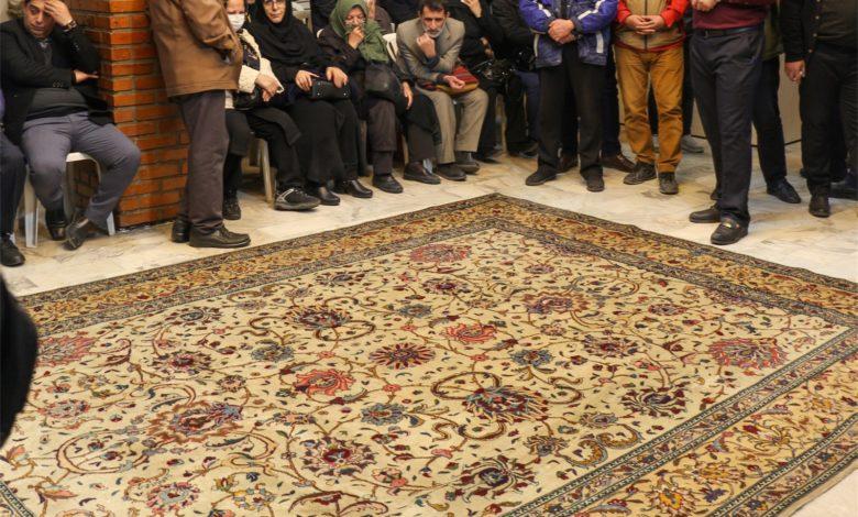 فرش هایی که چوب حراج می خورند