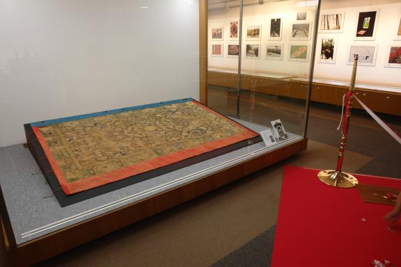 قالی های پولونز