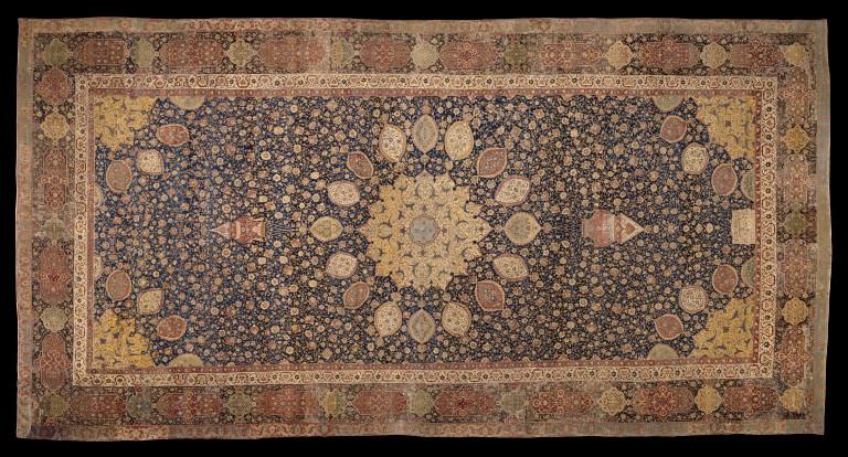 هشت قالی نفیس دستبافت ایرانی از نظر سیسیل ادواردز انگلیسی چه فرشهایی و متعلق به چه دورانی است؟